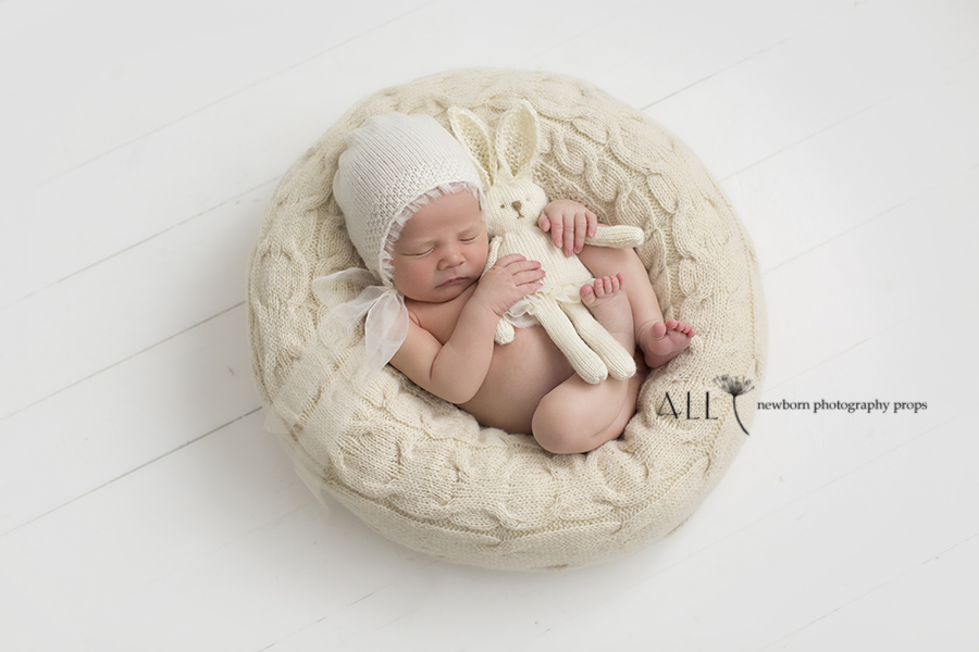 posing-cushion-create-a-nest-basket-vessel-bowl-all-newborn-props-photo-prop-photography-knitted-white-wrap-bonnet-bunny3
