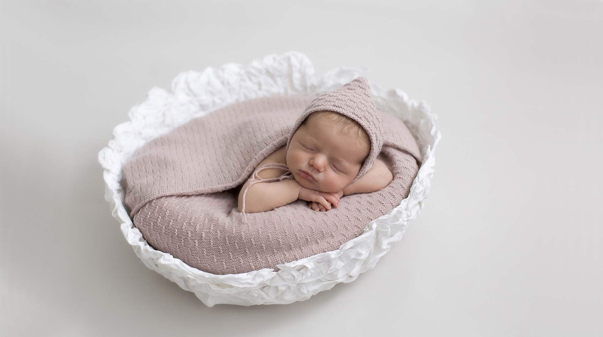 gideon-vessel-basket-bowl-luxurious-pixie-hat-bonnet-wrap-all-newborn-photo-photography-prop-white-dusty-pink