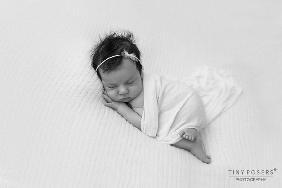posing-fabric-backdrop-headband-tieback-white-all-newborn-props-photography-prop